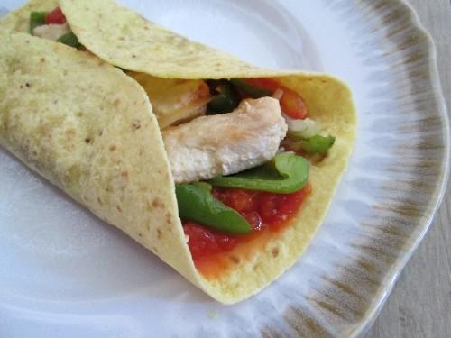 Les fajitas de poulet une recette mexicaine - Cuisine mexicaine tortillas ...