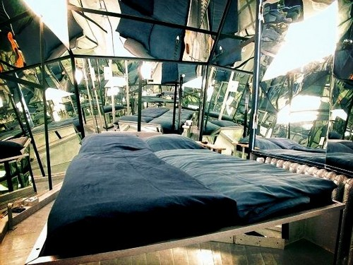 le propeller island city lodge un h tel arty berlin. Black Bedroom Furniture Sets. Home Design Ideas