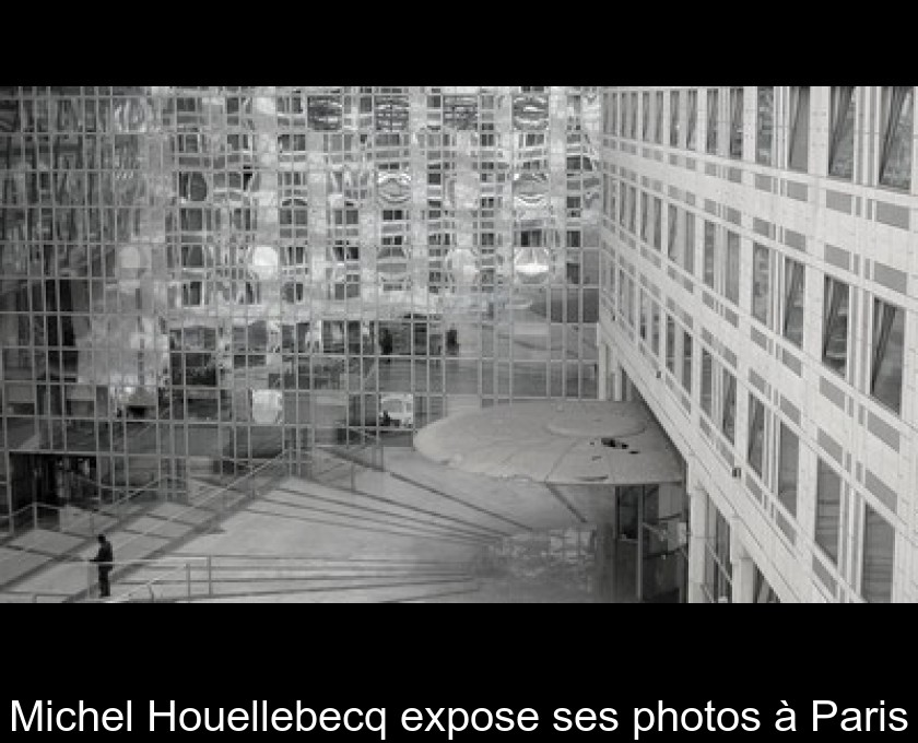 Michel Houellebecq expose ses photos à Paris