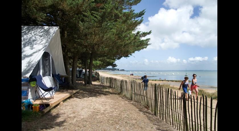camping le caravan 39 ile la gu rini re. Black Bedroom Furniture Sets. Home Design Ideas