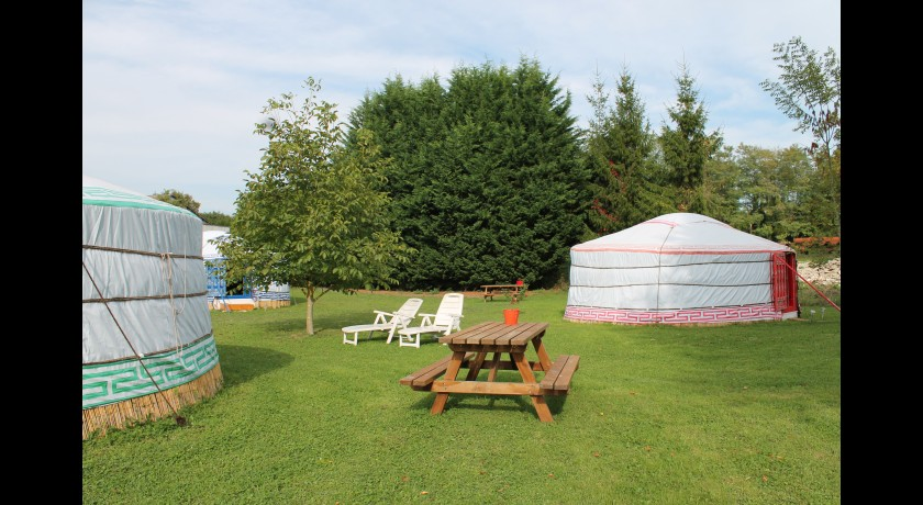 Camping Les Yourtes Bourcominoises  Bourg-et-comin
