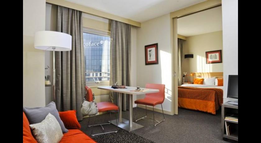 r sidence citadines paris la d fense courbevoie. Black Bedroom Furniture Sets. Home Design Ideas