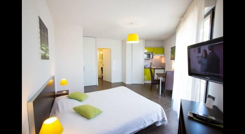 Hotel kyriad pau nord lons for Appart hotel kyriad