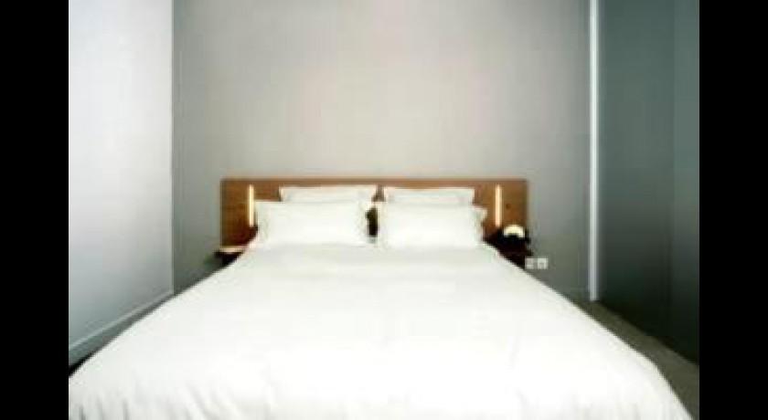 h tel atlantis m rignac. Black Bedroom Furniture Sets. Home Design Ideas