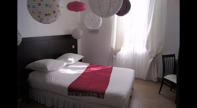 R sidence appart 39 h tel victoria garden bordeaux for Appart hotel ibis