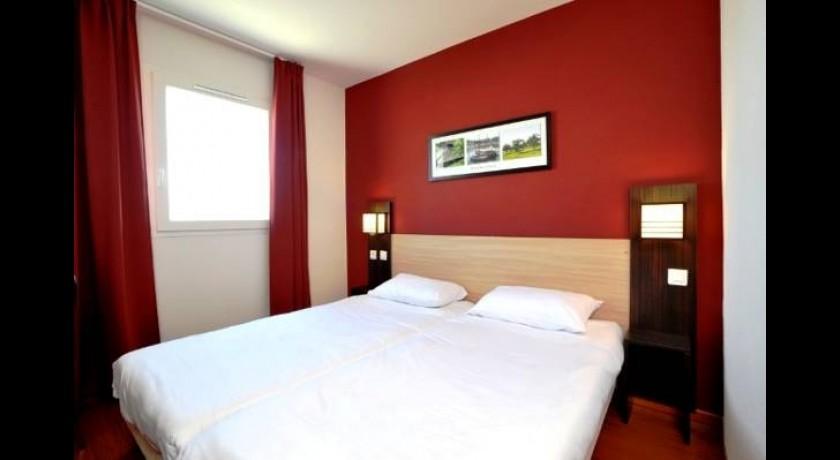 hotel balladins perpignan sud saleilles. Black Bedroom Furniture Sets. Home Design Ideas