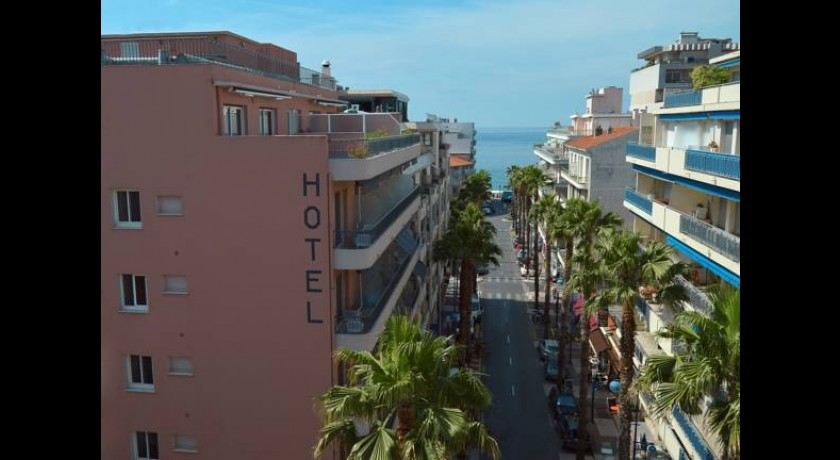 Hotel welcome antibes juan les pins for Hotels juan les pins