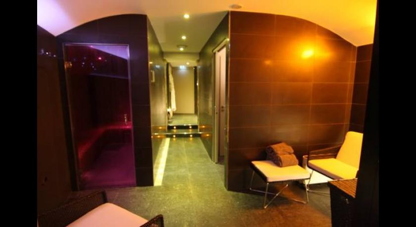hotel b b dijon centre. Black Bedroom Furniture Sets. Home Design Ideas