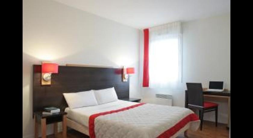 hotel le clos amis saint herblain. Black Bedroom Furniture Sets. Home Design Ideas