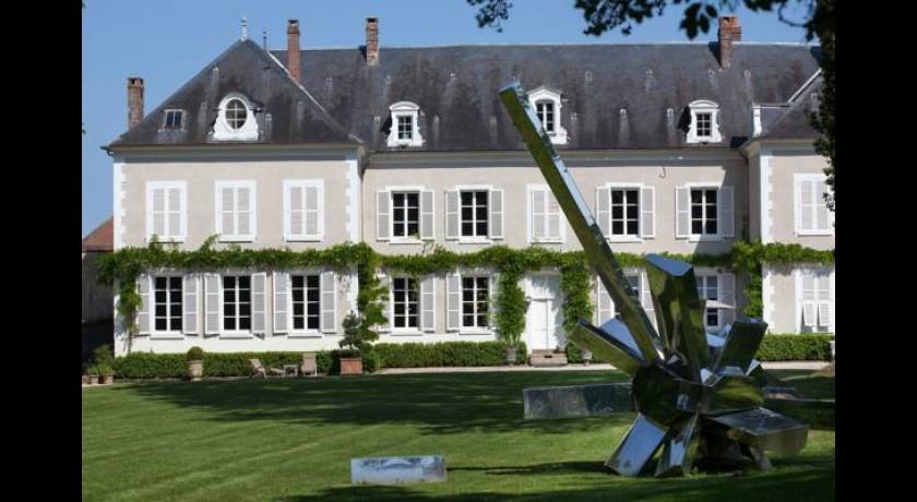 Hotel logis le soleil d 39 or montigny la resle - Chateau de la resle ...