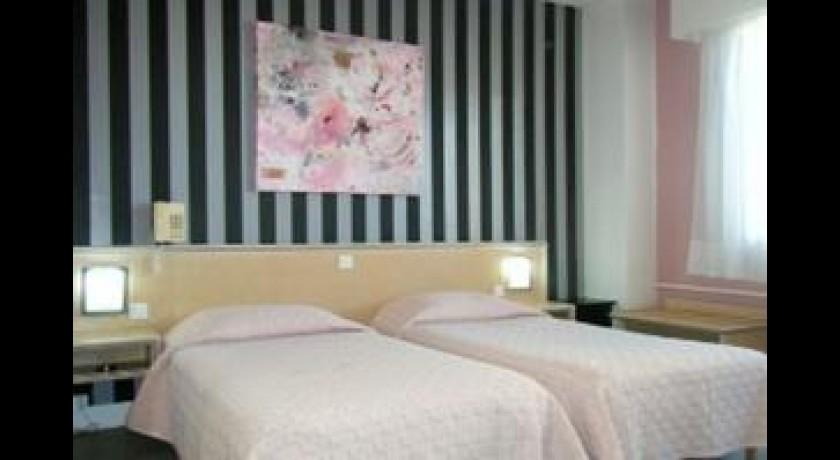 h tel amiens. Black Bedroom Furniture Sets. Home Design Ideas