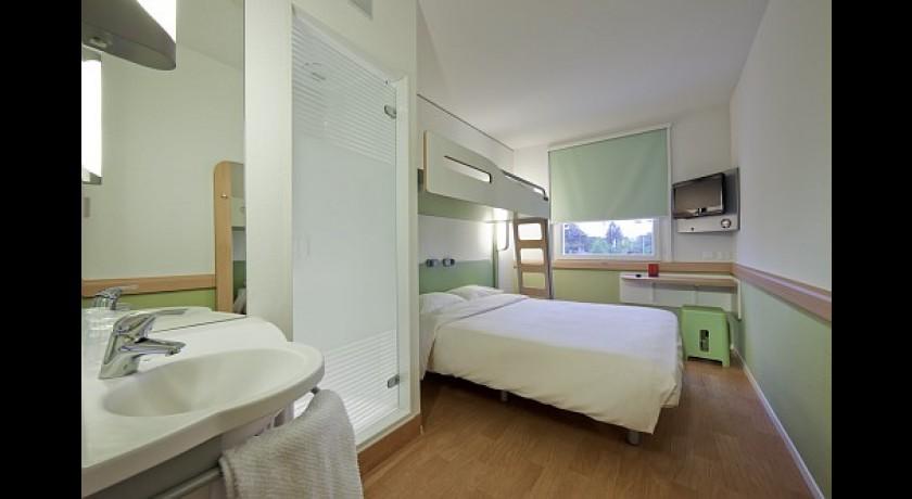etap hotel le puy en velay le puy en velay. Black Bedroom Furniture Sets. Home Design Ideas