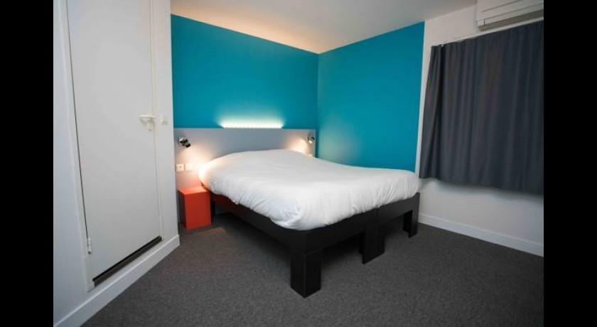 hotel ch teau pey la tour salleboeuf. Black Bedroom Furniture Sets. Home Design Ideas