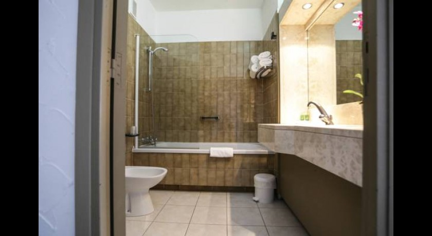 hotel riviera bastia. Black Bedroom Furniture Sets. Home Design Ideas