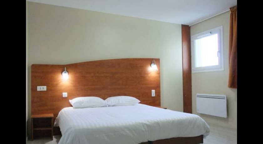 hotel mercure lyon est chaponnay. Black Bedroom Furniture Sets. Home Design Ideas