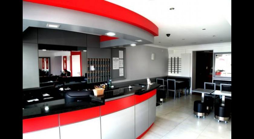 h tel briand levallois perret. Black Bedroom Furniture Sets. Home Design Ideas
