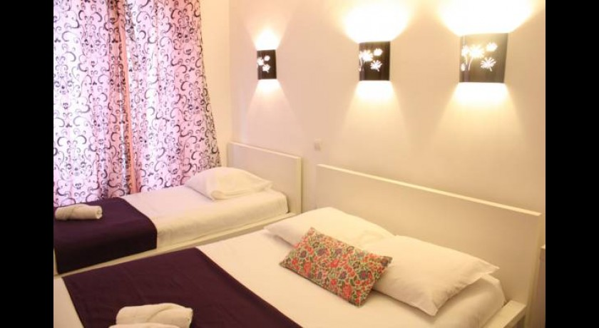 H tel daval paris for Hotel design bastille