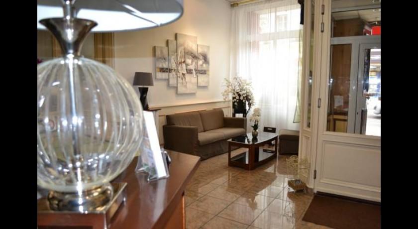 Hotel domaine de roquerousse salon de provence - Hotel d angleterre salon de provence ...