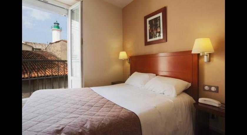Comfort hotel saint nicolas la rochelle for Hotels la rochelle