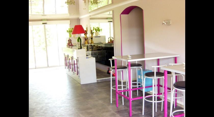 h tel etap hotel saint fons. Black Bedroom Furniture Sets. Home Design Ideas