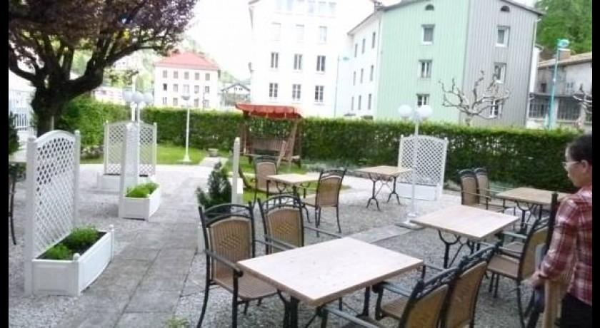 Hotel auberge le jardin de la rivi re foncine le haut for Auberge le jardin