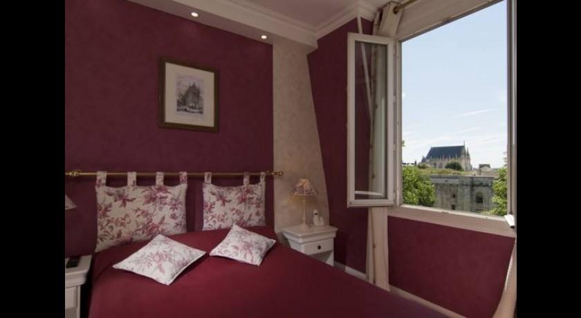 h tel saint louis vincennes. Black Bedroom Furniture Sets. Home Design Ideas
