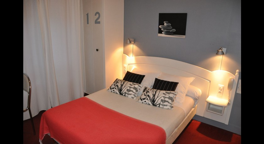 hotel le chene vert les sables d 39 olonne. Black Bedroom Furniture Sets. Home Design Ideas