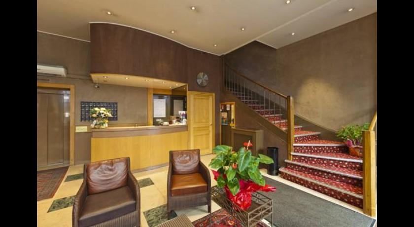 hotel charles quint besan on. Black Bedroom Furniture Sets. Home Design Ideas