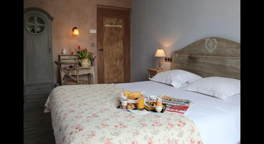 h tel du parc cavaillon. Black Bedroom Furniture Sets. Home Design Ideas