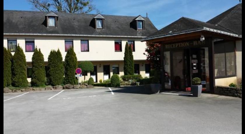 Hotel Auberge Des Trois Epis Mayenne