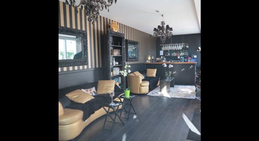 hotel le chantilly cannes. Black Bedroom Furniture Sets. Home Design Ideas
