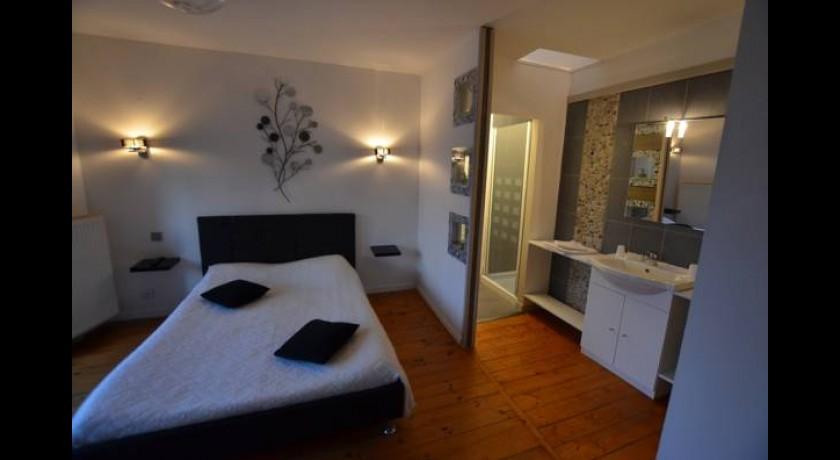 hotel chez gaste angoul me. Black Bedroom Furniture Sets. Home Design Ideas