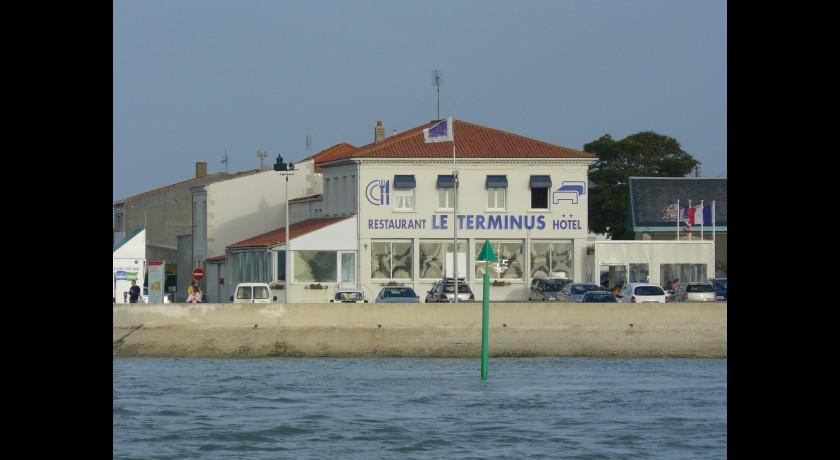 Hotel le brouage hiers brouage - Restaurant la chaloupe port des barques ...