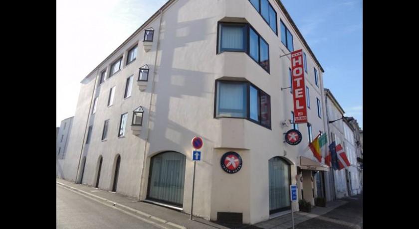 Hotel les pigeons blancs cognac for Hotel cognac