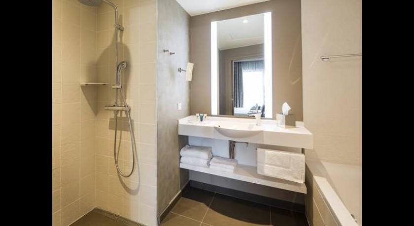 hotel la guitoune pyla sur mer. Black Bedroom Furniture Sets. Home Design Ideas