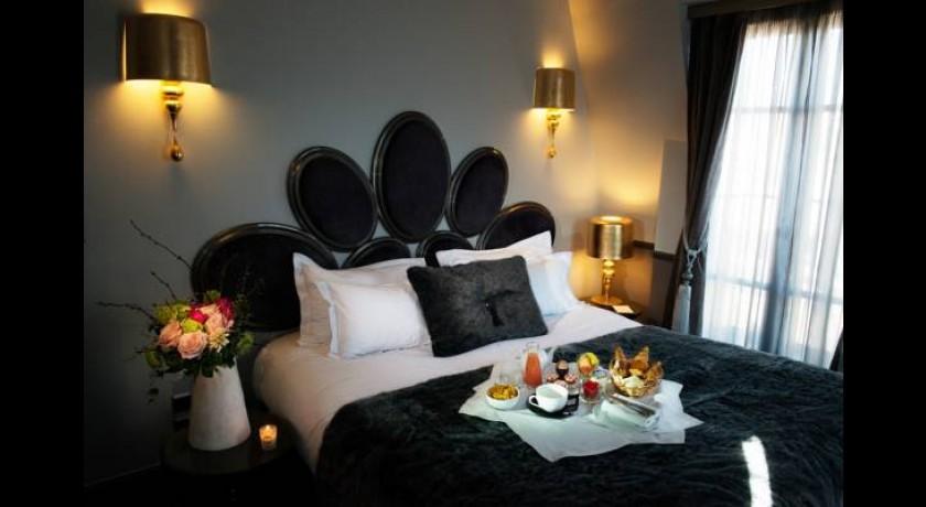 h tel saint roch paris. Black Bedroom Furniture Sets. Home Design Ideas