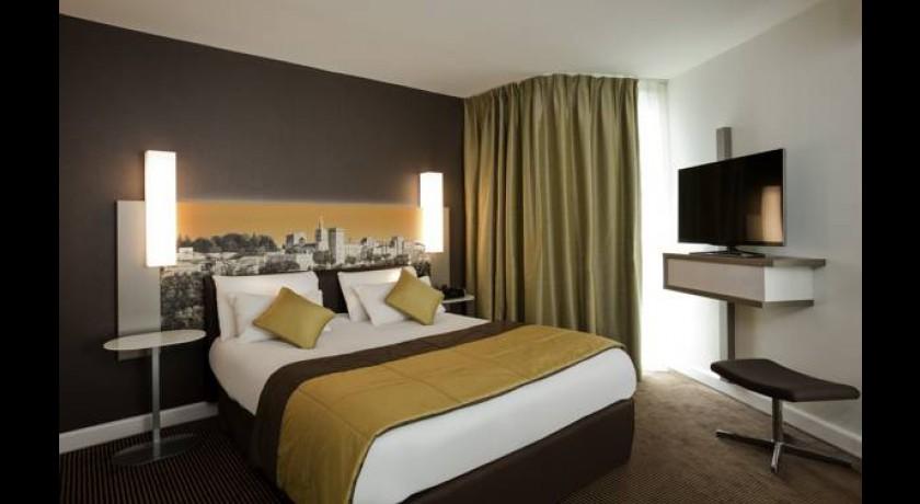 hotel acotel express le pontet. Black Bedroom Furniture Sets. Home Design Ideas