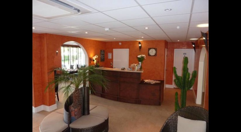 H tel olympia contact h tel bourges - Hotel pas cher bourges ...