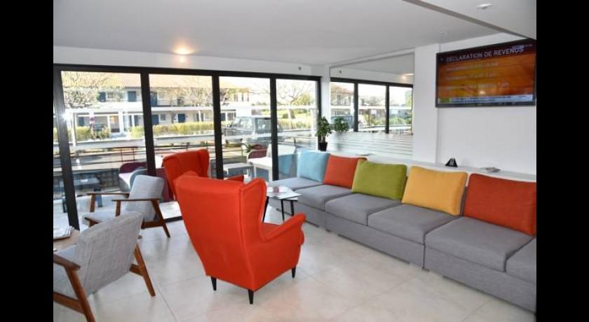 hotel premiere classe perpignan. Black Bedroom Furniture Sets. Home Design Ideas