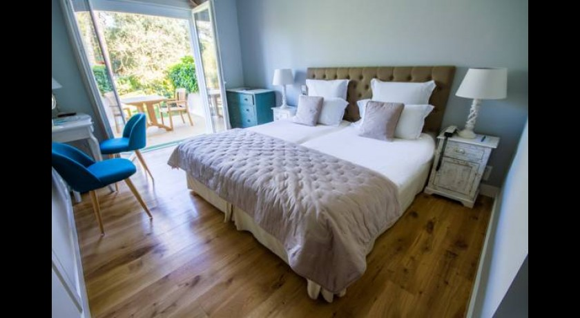 hotel le nauzan saint palais sur mer. Black Bedroom Furniture Sets. Home Design Ideas
