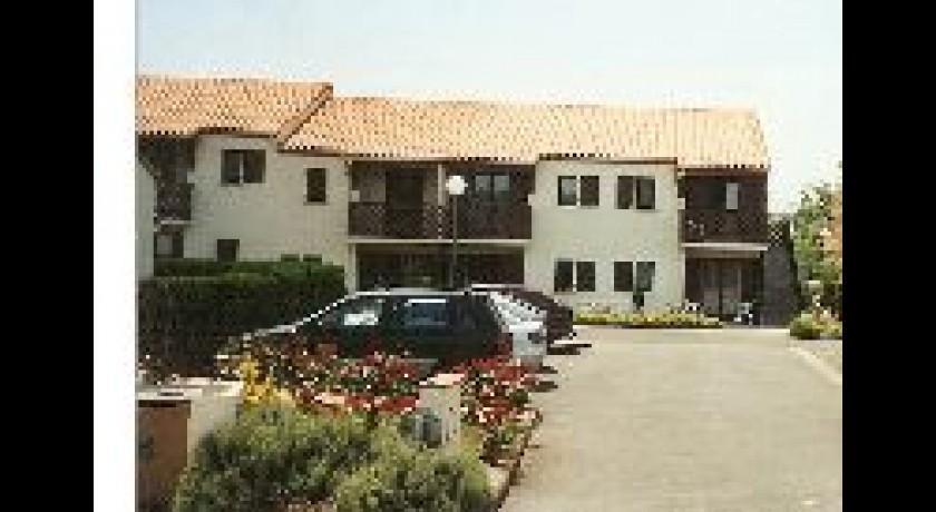 Hotel residence helios 17 jonzac for Hotels jonzac