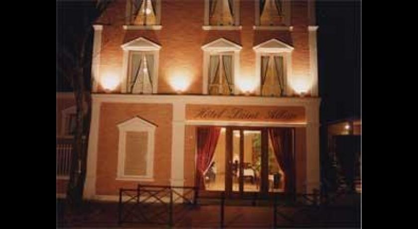 hotel le ch teau des iles saint maur des foss s. Black Bedroom Furniture Sets. Home Design Ideas