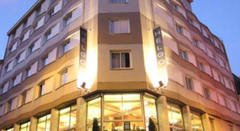 Hotel saint sacrement lourdes for Hotels saintes