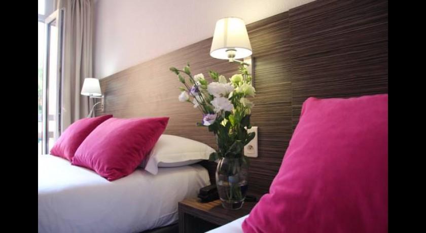 hotel le roya breil sur roya
