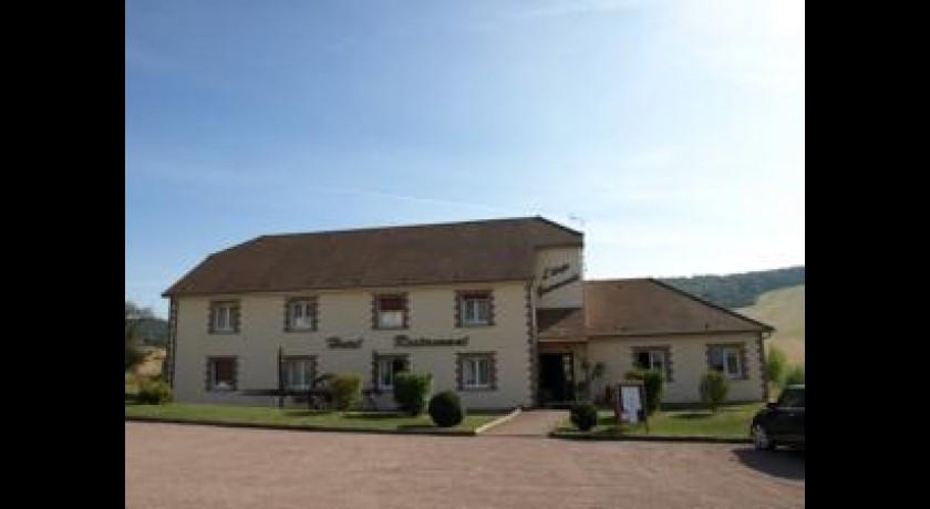Hotel aux maisons maisons l s chaource for Aux maisons maison les chaources