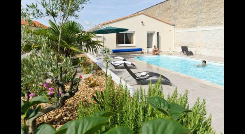 Hotel l 39 oliveraie cognac for Hotel cognac