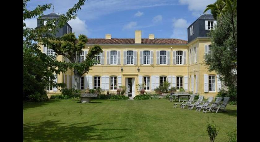 hotel pierre vacances palais des gouverneurs saint martin de r. Black Bedroom Furniture Sets. Home Design Ideas