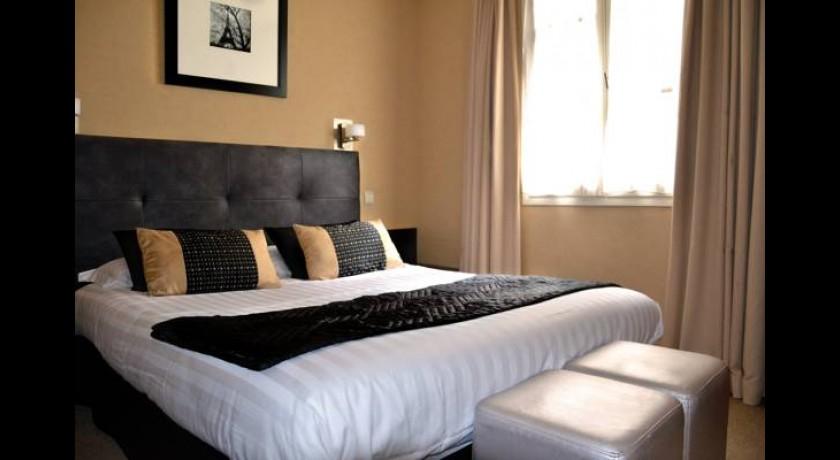 hotel le ch teau de lacan brive la gaillarde. Black Bedroom Furniture Sets. Home Design Ideas
