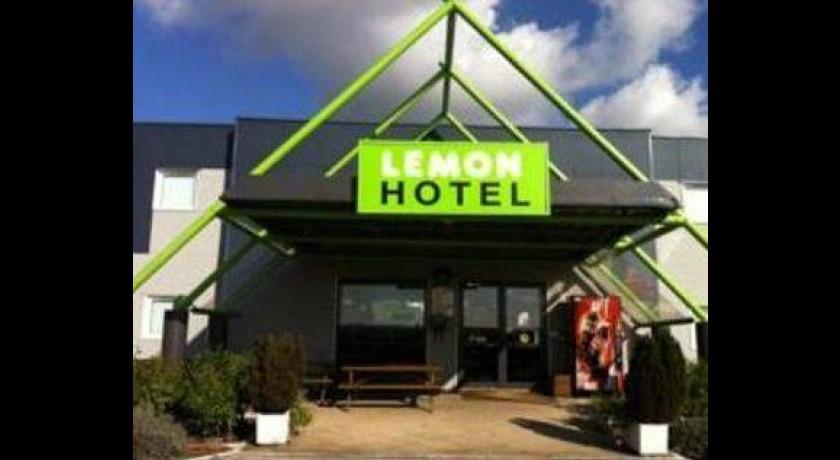 H tel restaurant le lagon rochefort du gard for Hotel avignon piscine