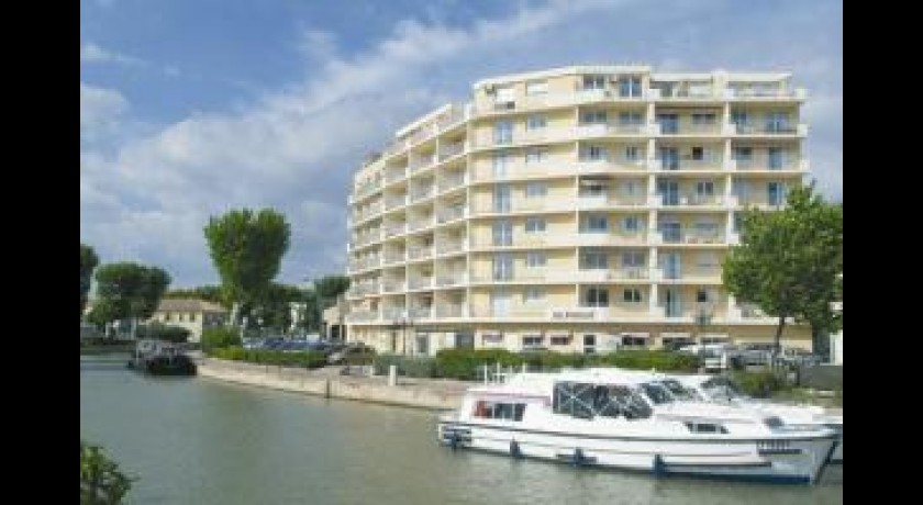 Hotel les floriales narbonne for Hotels narbonne